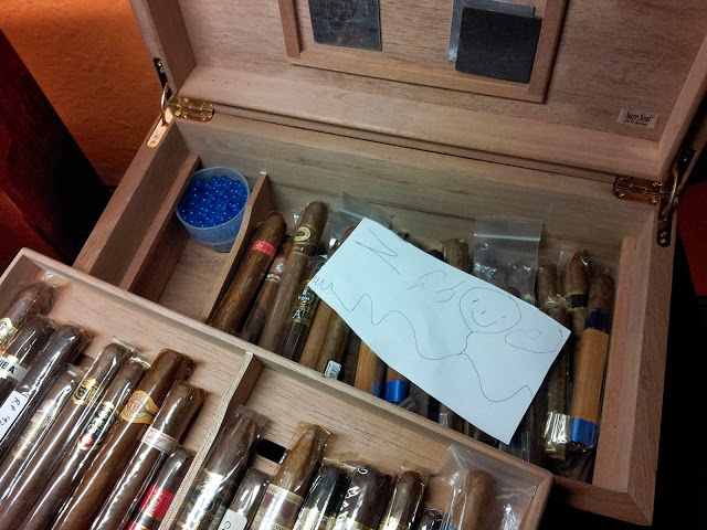 Son leaves note for Dad in his Cigar Humidor box